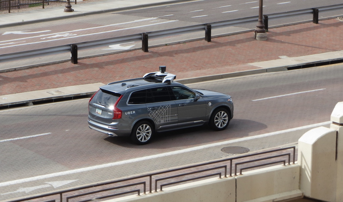 Uber voiture autonome by Zombieite via Flickr licence CC