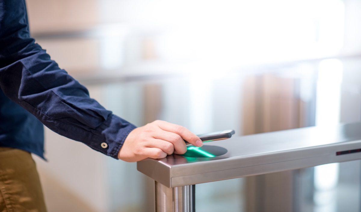 contrôle d'accès smartphone identifiant