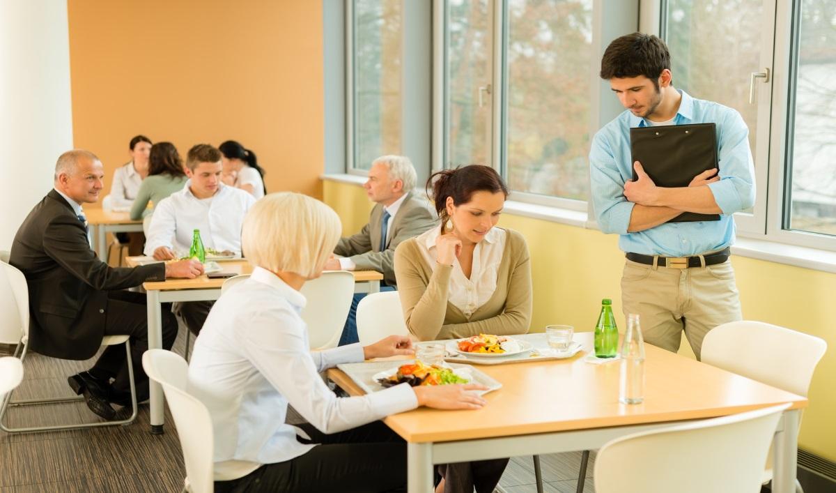 Evacuation-des-restaurants-interentreprises-Crédit-CandyBox-Images