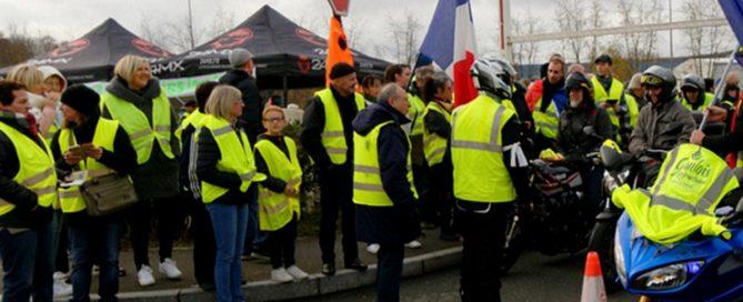 Manifestation du mouvement des gilets jaunes, à Belfort, le 01 décembre 2018 - Perte d'exploitation-Assurance -Crédit :Thomas-Bresson-Flickr-Cc
