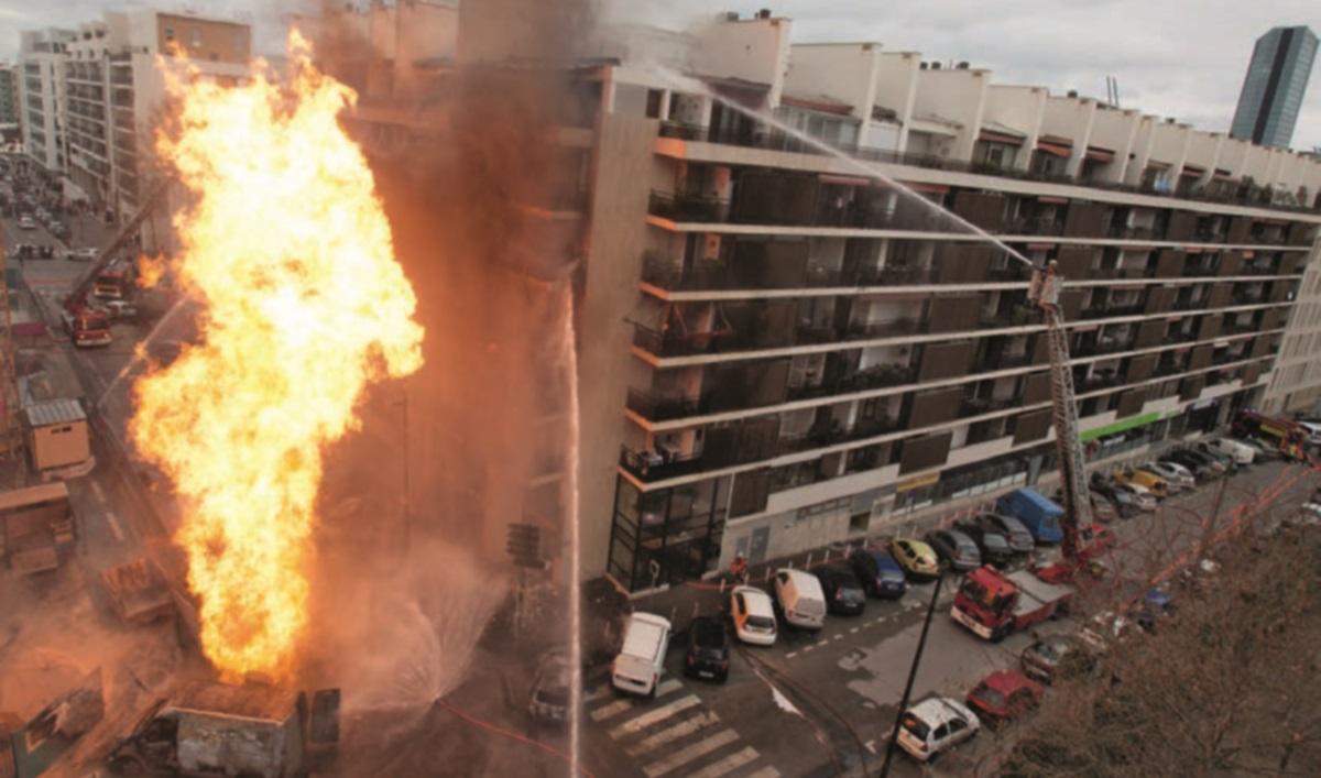 Fuite de gaz enflammé au coeur de Marseille (Photo BMPM)