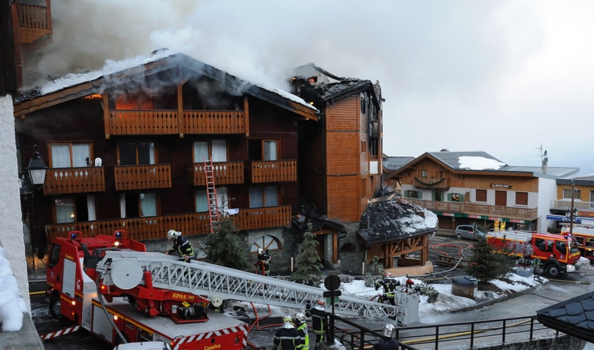 Incendie mars 2011 Courchevel 1 550 (Photo - B.Flandin COMM-SDIS73)
