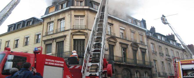 Les incendies sont-ils plus nombreux qu'auparavant en France (Incendie Rouen 2010, Photo David Kapp, Face au Risque)