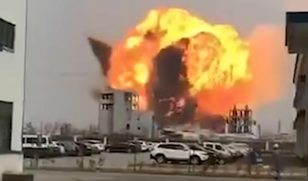 78 morts auu moins dans une explosion suivie d'un incendie en Chine crédits SCMP vidéo