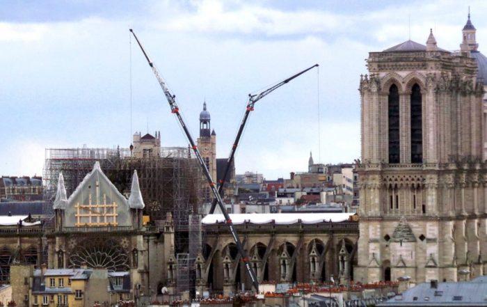 Restauration Notre-Dame (Photo Notre-Dame bachée, Joelle Lévy_Wikimedia_Commons)