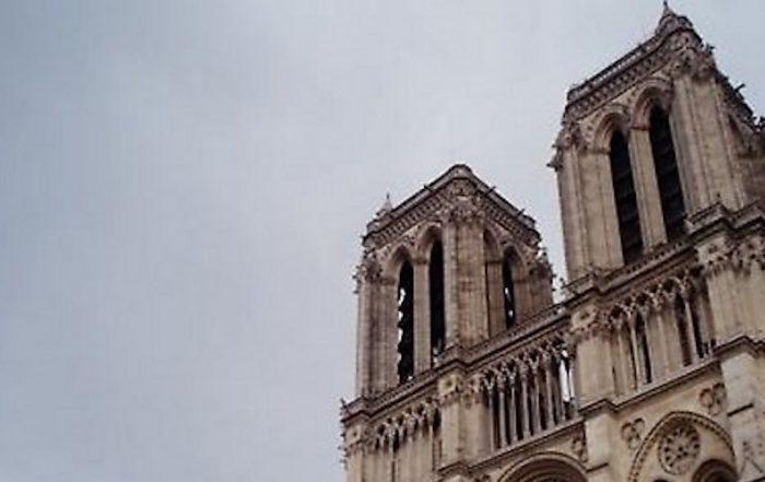 Sondage-Notre-Dame-Caméras-piétons-fichier-Monsanto-incendie-d'un-immeuble-et-évacuation-d'un-lycée-les-actus-du-vendredi-10-mai-2019-Notre-Dame.-by-ilonatermors-is-licensed-under-CC-BY-2.0