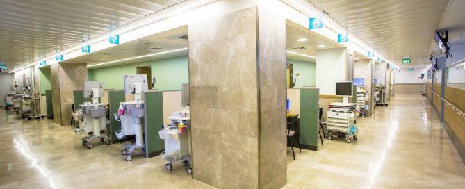 contrôles d'accès hôpital (Wikimedia Fishman Oncology Hospital)