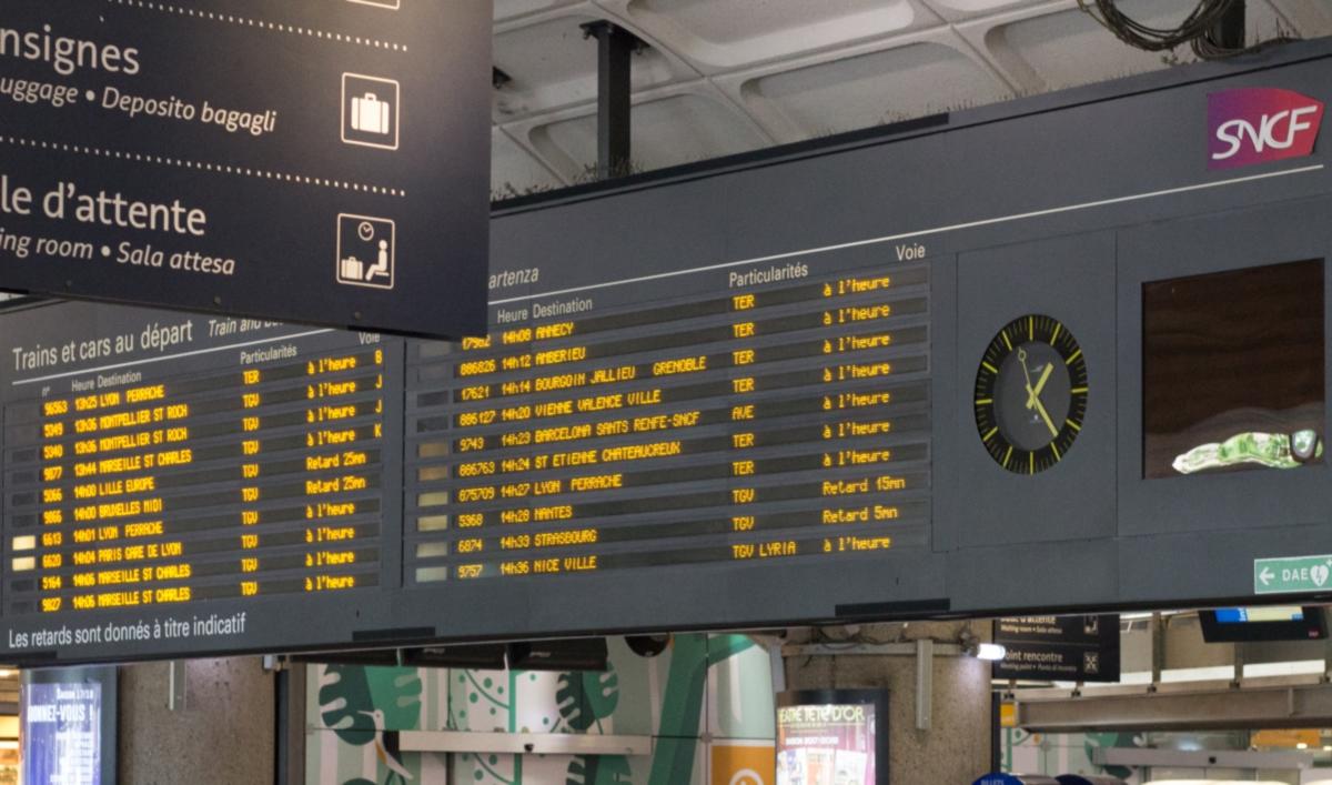 Gare SNCF Lyon Part-Dieu (Photo Micka13 wikimedia_commons)
