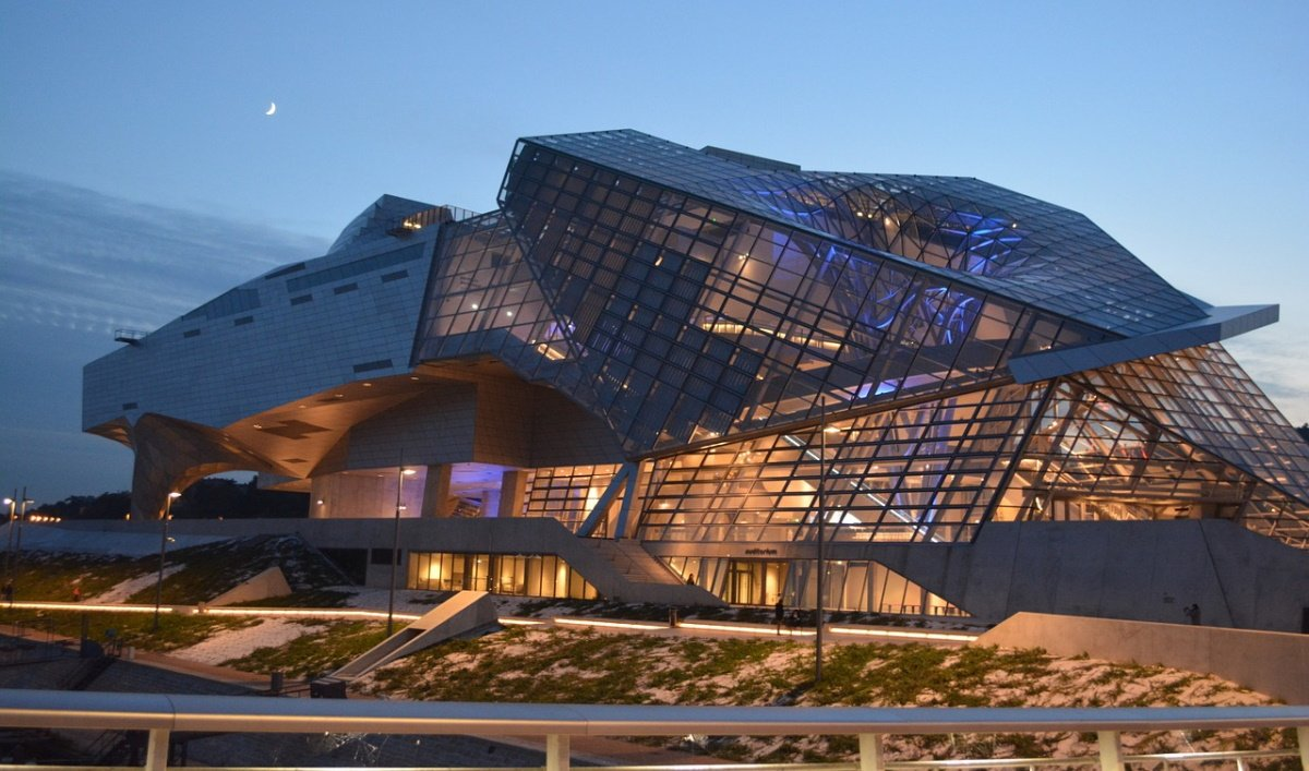Bâtiments intelligents. (Photo d'illustration Musée de la Confluence Lyon, Ben_Kerckx Pixabay CC).