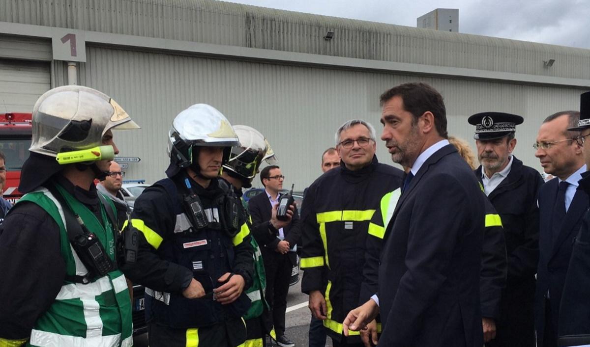 Lubrizol, Christophe Castaner (ministre de l'Intérieur) salue les intervenants. Photo d'illustration G.C.