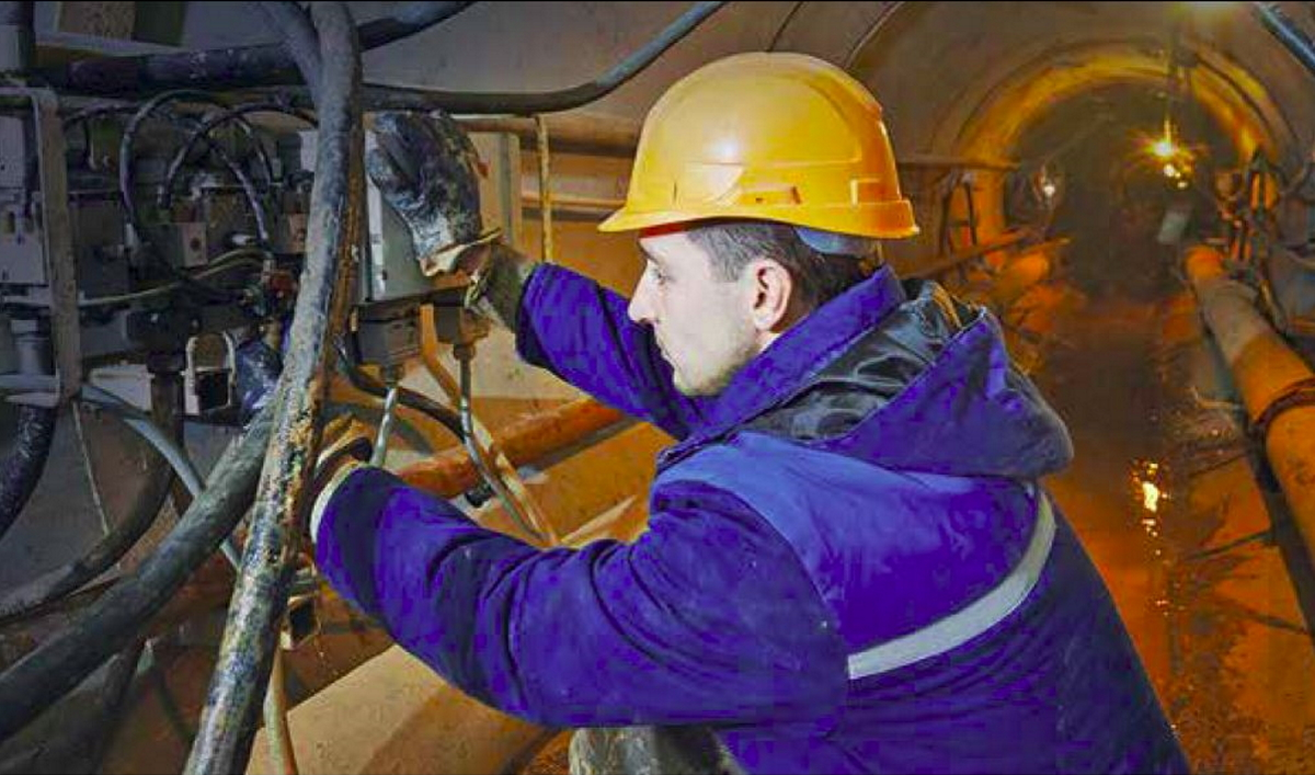 Travail en espace confiné (crédit Honeywell Industrial Safety).