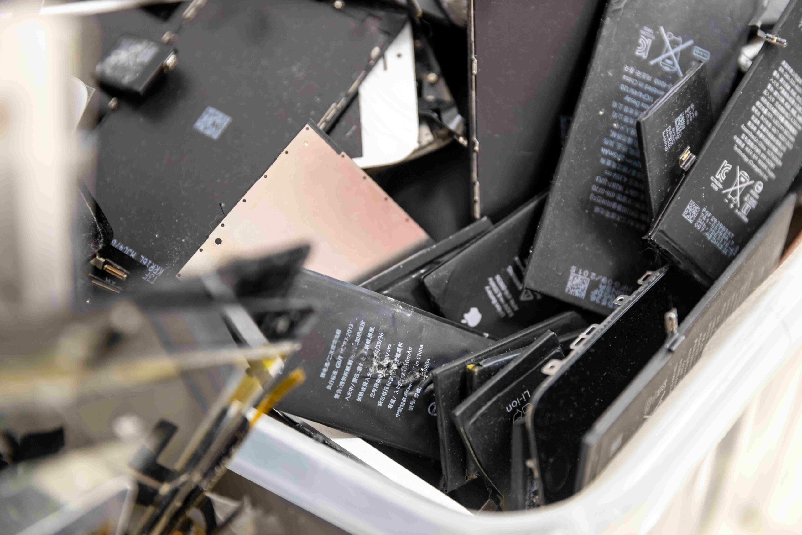 Batteries Lithium portables CC AdobeStock Parilov BD